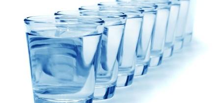 Jak nauczyć się pić wodę?