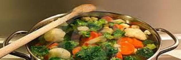 Jak zdrowo gotować warzywa?